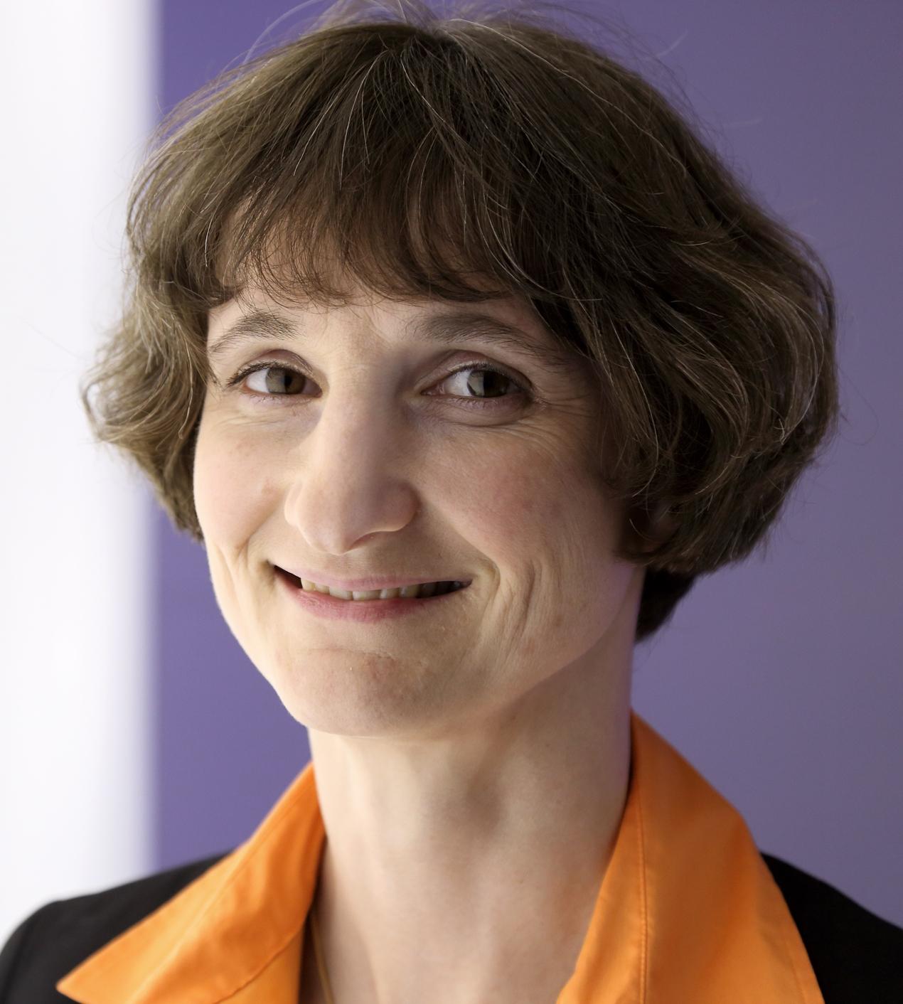 Dr. Heike Riel